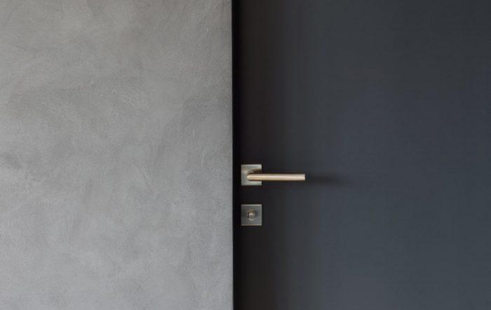 Comment entretient-on les portes d'acier?